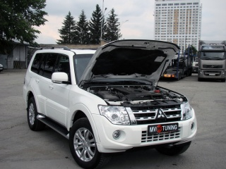 Упор капота Mitsubishi Pajero (4th generation)